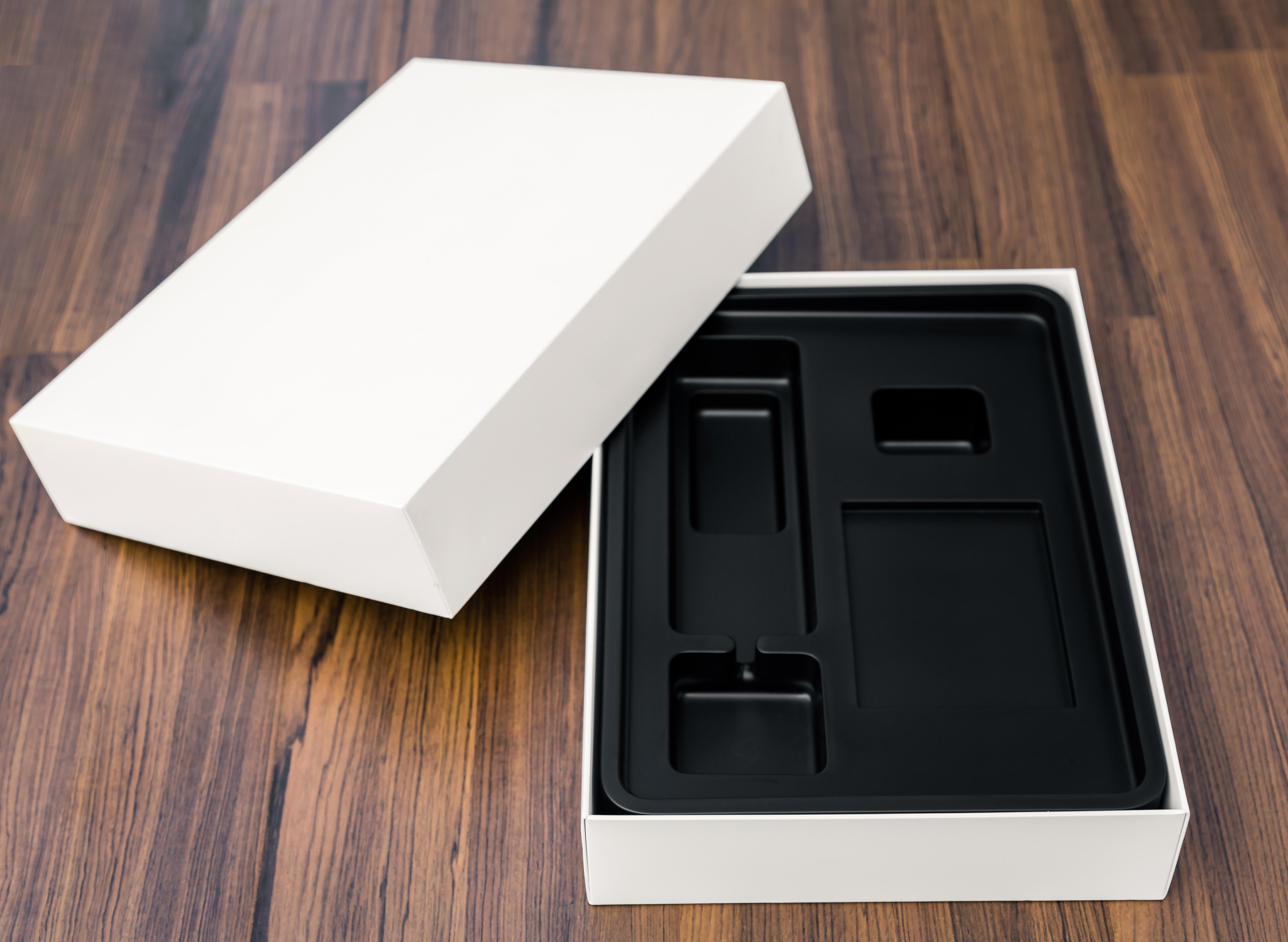 Стильная картонная упаковка