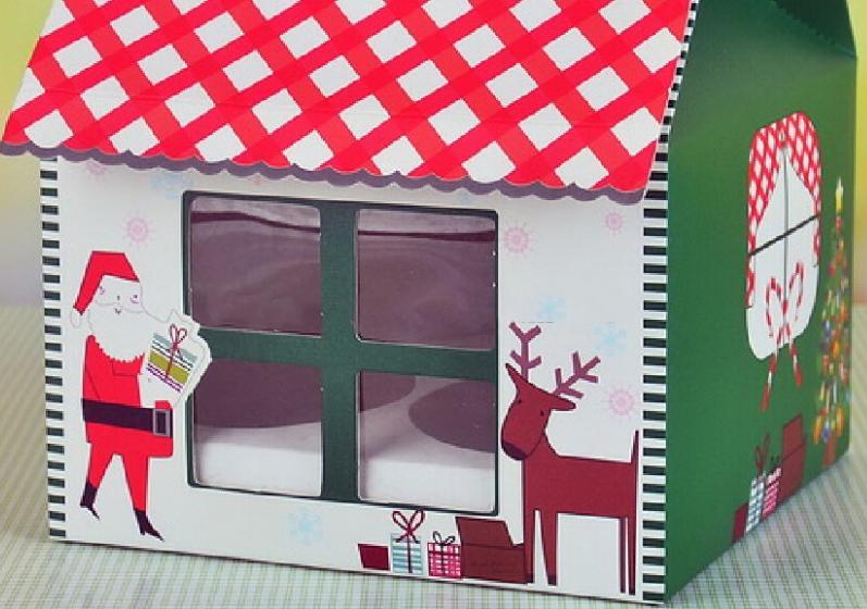 Новогодняя упаковка с окном