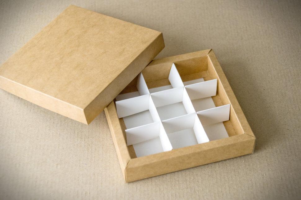 упаковка для кондитерских изделий из двух частей