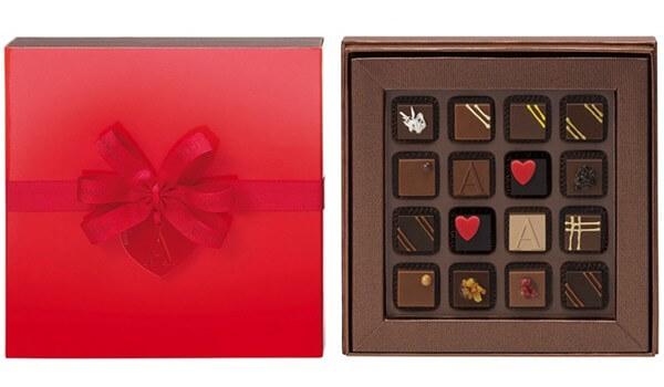 Фото - Красивая подарочная коробка для конфет